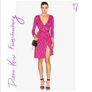 Diane von Furstenberg silk MUST HAVE dress XS